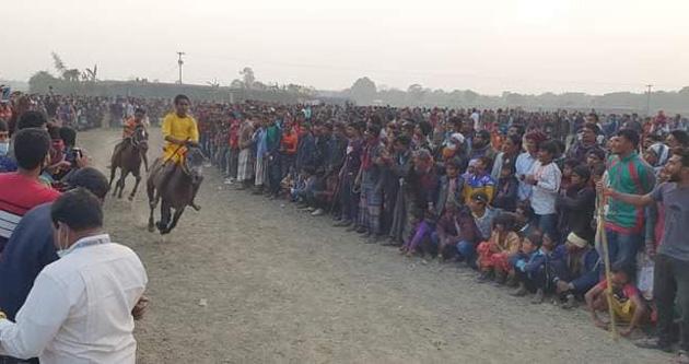 রাজশাহীতে ঘোড়া দৌড় প্রতিযোগিতা অনুষ্ঠিত।