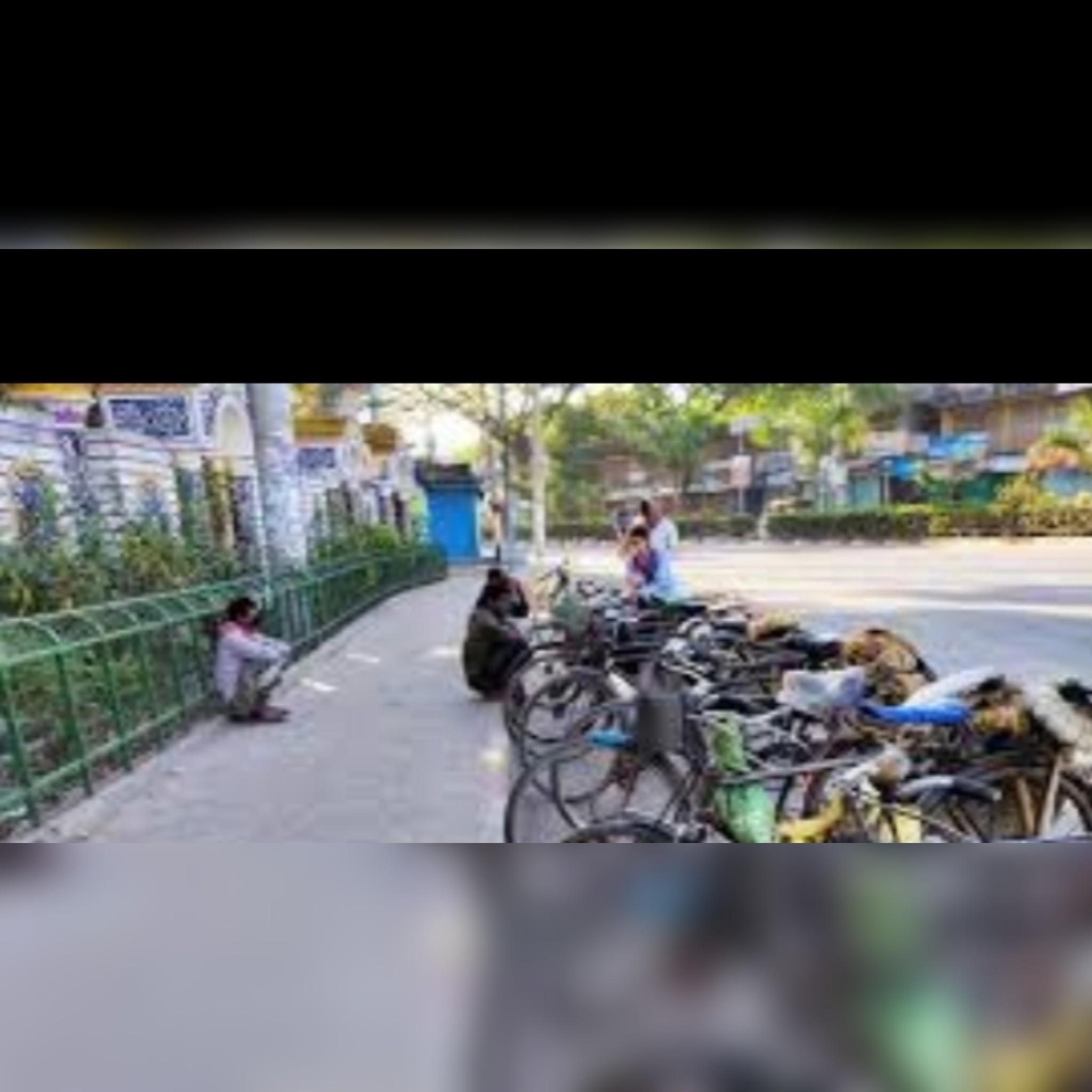 লকডাউনে রাজশাহীতে বিপাকে আছে খেটে খাওয়া মানুষ