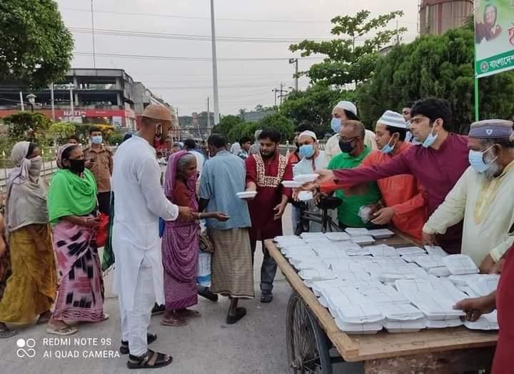 করোনাকালে অসহায় দুস্থদের পাশে রাজশাহী রেল শ্রমিকলীগ