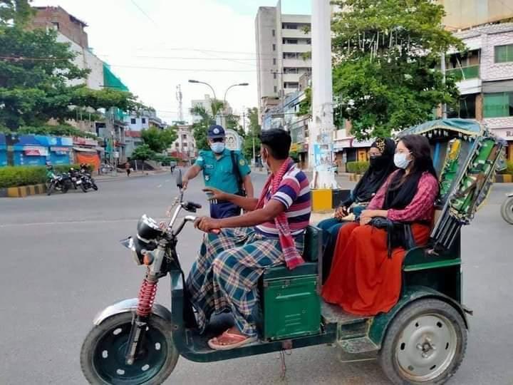 রাজশাহী শহরে সর্বাত্মক লকডাউন শুরুর প্রথম দিন