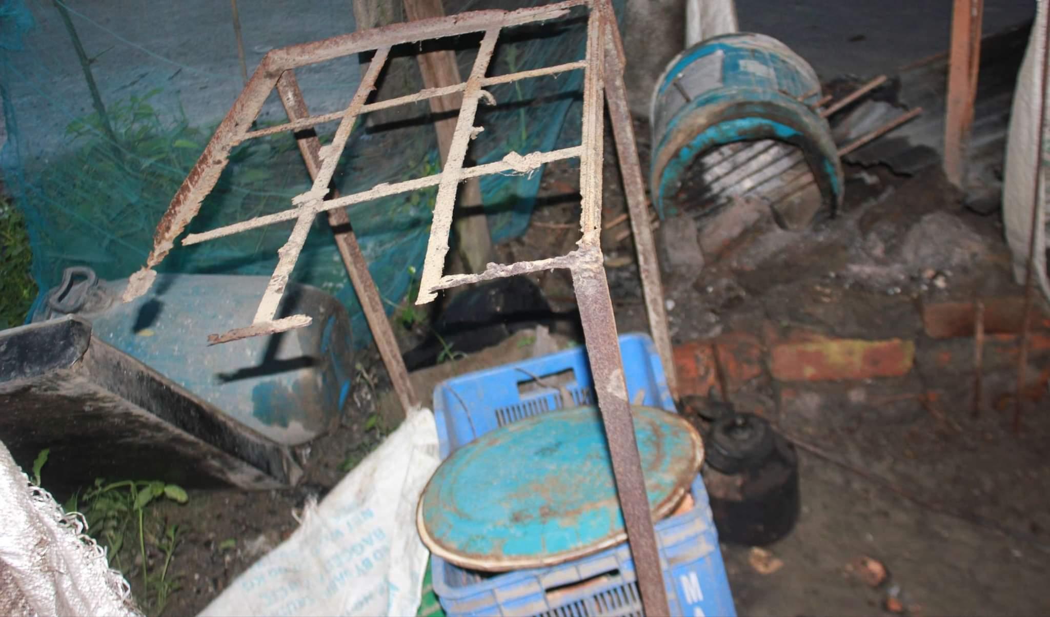 দূর্গাপুর লকডাউনে বন্ধ থাকা  দোকানে ভাংচুর করলো পুলিশ