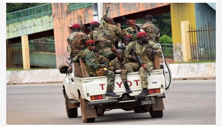 আফ্রিকার দেশ গিনিতে অভ্যুত্থানের মাধ্যমে ক্ষমতা দখল করলো সেনাবাহিনী